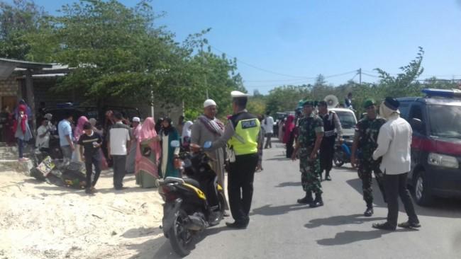 Babinsa dan Aparat Kepolisian Amankan Halalbihalal di SBD