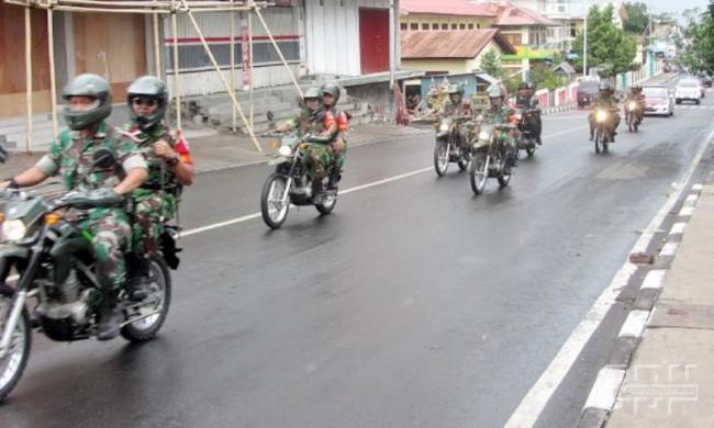 "Pamerkan Kekuatan Kesiapan Pilkada, TNI-Polri di Ende ""Show Of Force"""