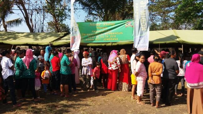 Warga Serbu Pasar Murah Pada Pembukaan TMMD Ke 102 Kodim 1617/Jembrana