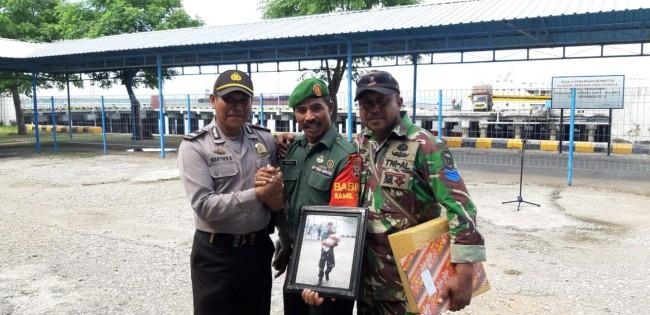 Mempunyai Kepedulian Luar Biasa, Sertu Frans Tenerima Penghargaan Dari KSOP Kupang