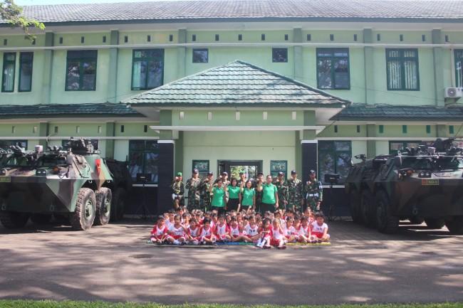Yonif Mekanis 741/GN Tanamkan Patriotisme Pada Anak Usia Dini