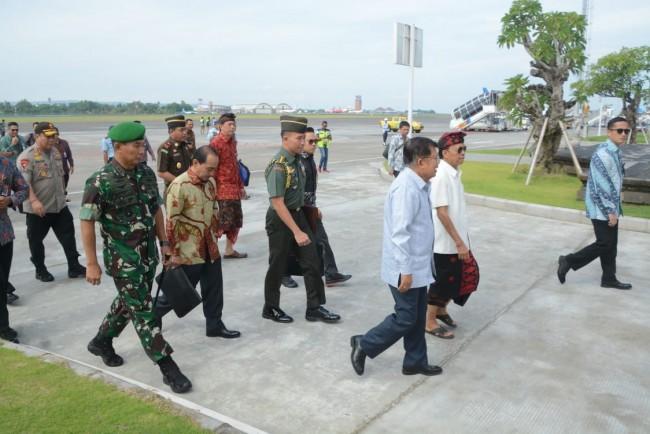 Wakil Presiden RI Tiba di Bali , Pangdam Sambut di Bandara I Gusti Ngurah Rai