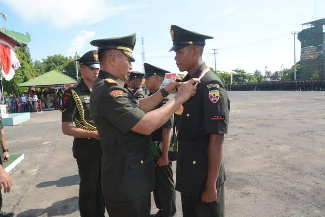 Pangdam IX/Udayana Lantik 359 Tamtama TNI AD Baru
