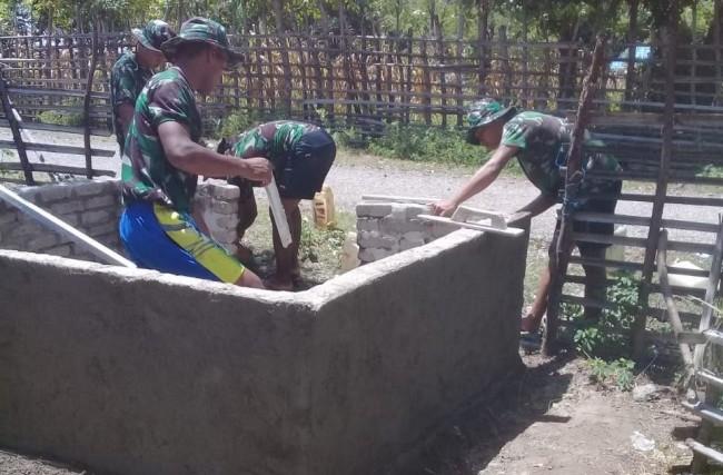 Peduli Lingkungan, Satgas Yonif Raider 408/Sbh Buat Tempat Sampah Untuk Warga Perbatasan