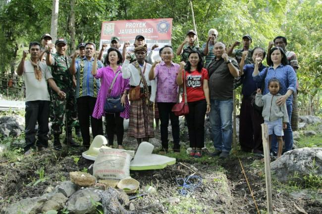 Gandeng Yayasan Terang Bangsa, Yonif R 408/Sbh Tingkatkan Pola Hidup Sehat Warga Perbatasan