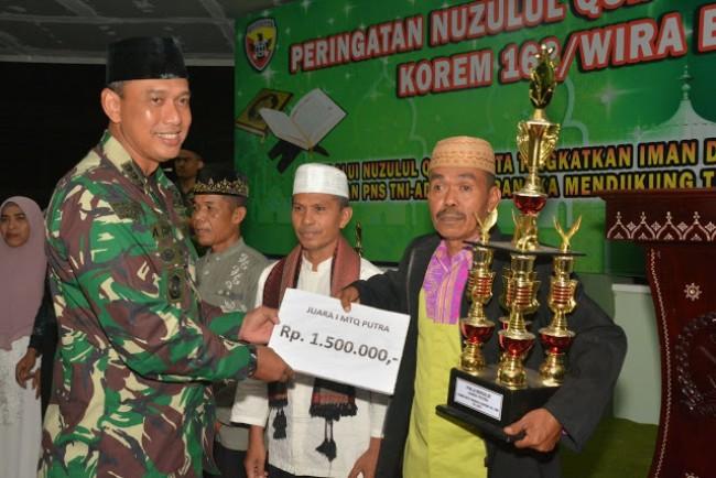 Korem 162/WB Gelar Peringatan Nuzulul Quran dan Pembagian Hadiah Pemenang Lomba MTQ