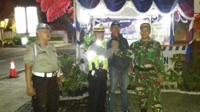 Sinergitas TNI - POLRI dalam Pengamanan Arus Mudik Lebaran di Wilayah Kabupaten Buleleng