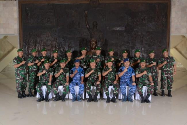 Pangdam IX/Udayana Pimpin Acara Serah Terima Jabatan Perwira Liaison (LO) TNI AU