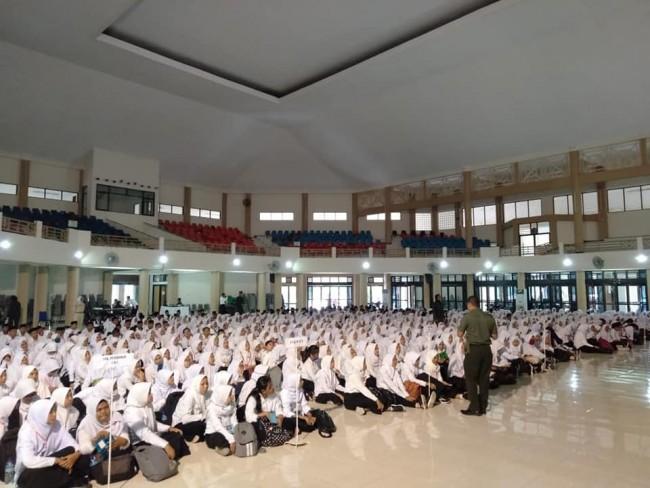 Kasiter Korem 162/WB Berikan Materi Ketahanan Nasional dan Bela Negara di Universitas Mataram