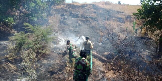 Posramil Sanggar Bantu Padamkan Kebakaran Hutan HGU