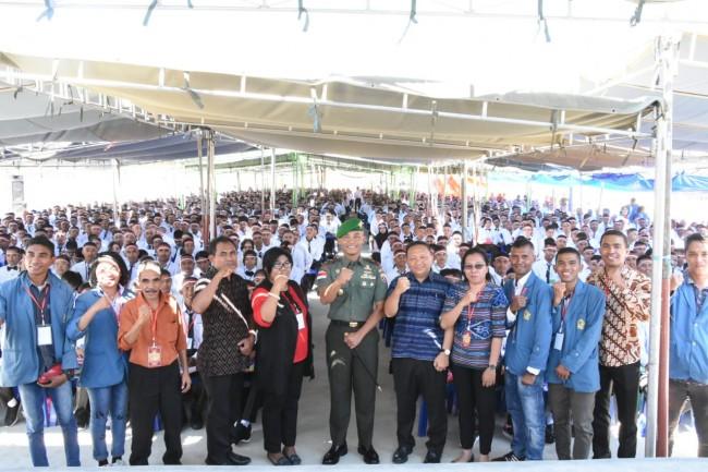 Danrem 161/Wira Sakti Bekali Wasbang Mahasiswa Baru Unwira Kupang