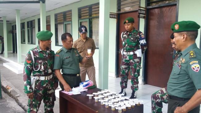 Usai Pelaksanaan Upacara Bendera, 30 Personel Makorem 163/Wira Satya Laksanakan Tes Urine
