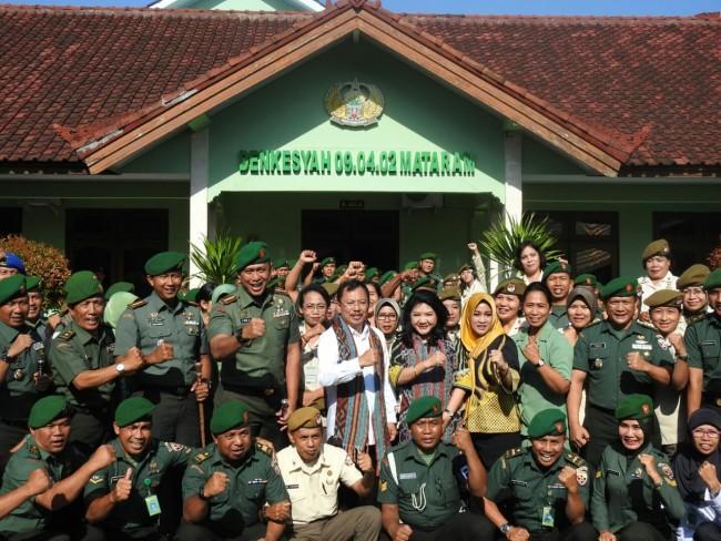 Kunjungi Denkesyah Mataram, Menkes RI Bangga Pernah Bertugas Selama 9 Tahun di Korem 162/WB