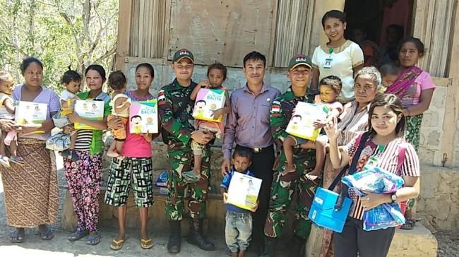 Perhatikan Kesehatan Masyarakat di Perbatasan, Satgas Yonif 132/BS Gelar Pelayanan Posyandu