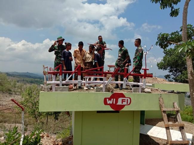 Satgas Yonif R 142/KJ Ciptakan Areal Wisata Foto Dengan Fasilitas Hotspot Internet Gratis