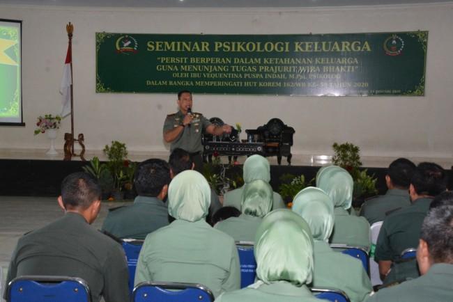Sambut HUT Korem 162/WB ke 59, Persit KCK Koorcab Rem 162 Gelar Seminar Psikologi Keluarga