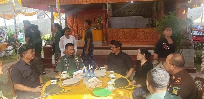 Pangdam IX/Udayana Sampaikan Belasungkawa Meninggalnya Mantan Wakil Jaksa Agung RI