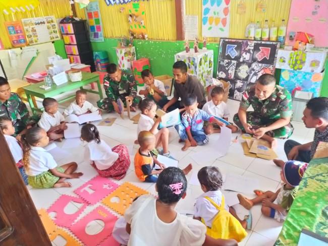 Kreatif, Satgas Yonif Raider 142/KJ Ubah Kardus Bekas Menjadi Tempat Sampah Unik di TK Silawan
