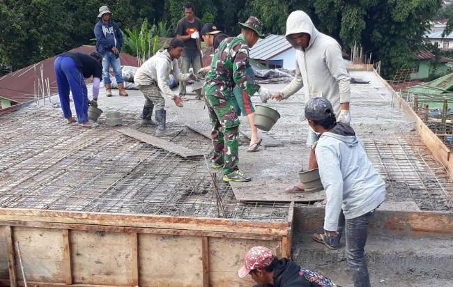 Tidak Bisa Menampung Jumlah Jama'ah, Koramil 01-1612/Manggarai Bantu Renov Masjid