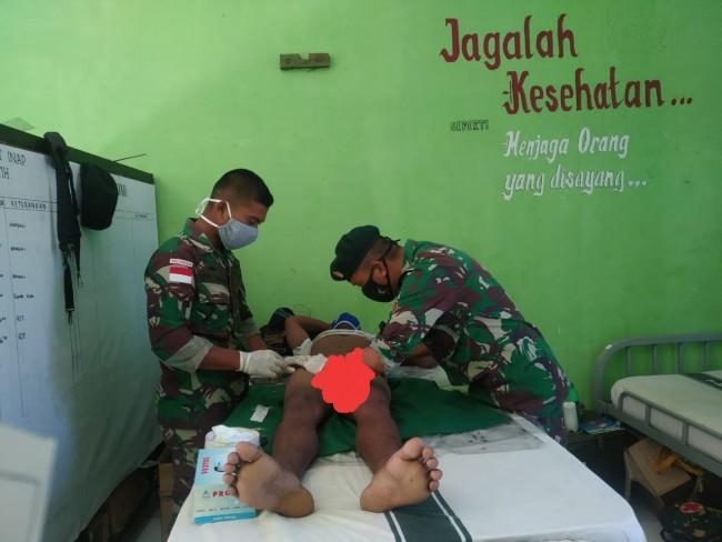 Khitan Gratis, Pemuda di Perbatasan Terus Datangi Mako Satgas Yonif Raider 142/KJ