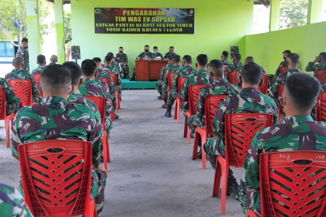 Satgas Yonif RK 744/SYB Terima Kunker Tim Wasev Staf Umum Operasi Angkatan Darat