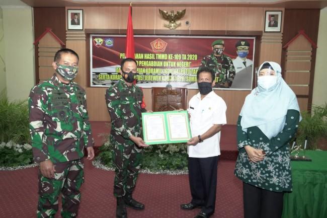 Tutup TMMD Kodim Sumbawa, Pangdam Ajak Jaga Kebersamaan dan Lestarikan Semangat Gotong Royong