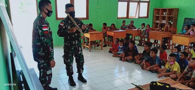 TNI Menjadi Tenaga Pendidik Di Daerah Perbatasan RI-RDTL.