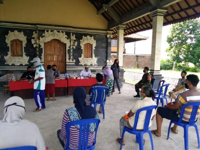 Koramil dan Aparat Kecamatan Petang Intensifkan Penegakan Protokol Kesehatan