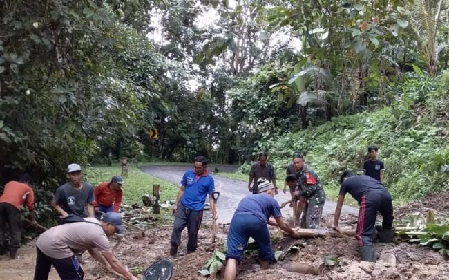 Cuaca Ektrem, Dandim Jembrana Perintahkan Babinsa Jajaran Monitor Wilayah Binaan