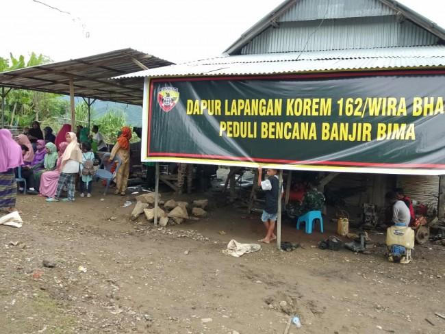 Penuhi Kebutuhan Makanan Bagi Korban Banjir, TNI Siapkan Sejumlah Dapur Lapangan