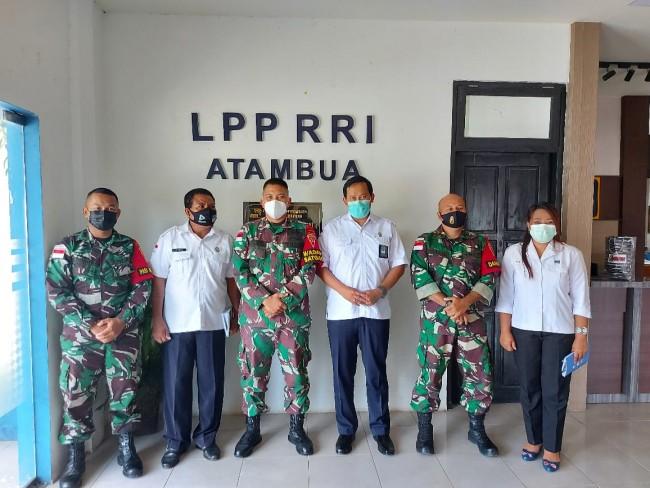 Sinergitas Membangun Negeri, Wadan Satgas Pamtas Sektor Timur Kunjungi Kantor RRI Atambua