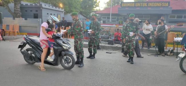 Peduli Sesama, TNI-Polri di Belu Berbagi Kebahagiaan di Bulan Ramadhan