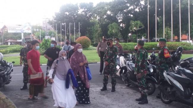 Kodim Badung Lakukan Pengamanan Dua Kegiatan Keagamaan di Wilayah Tuban Kuta Badung