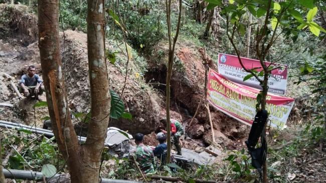 Medan Sulit Jadi Teman Bagi TNI Hadirkan Air Bersih Bagi Masyarakat