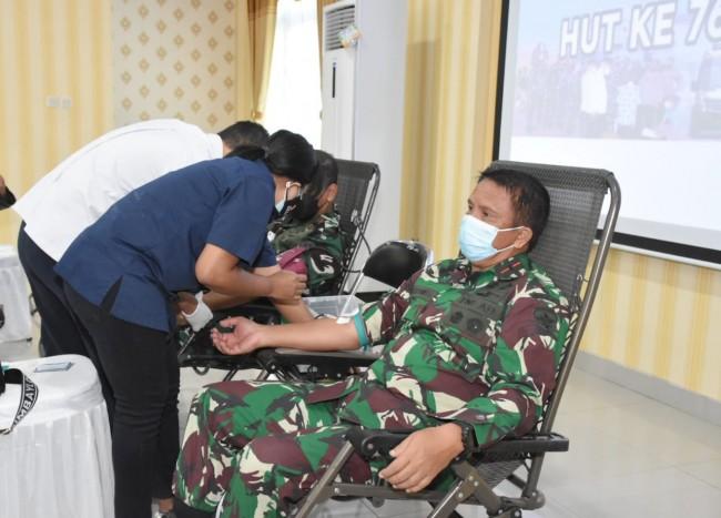 Sambut HUT TNI ke 76, Tiga Matra TNI Laksanakan Giat Donor Darah