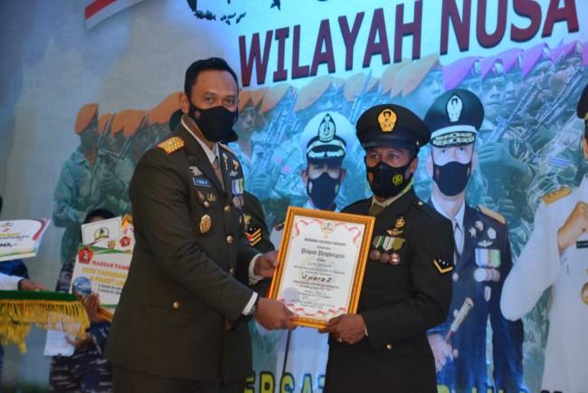 Korem 162/WB Berikan Penghargaan Kepada Prajurit TNI, Polri dan Pemda terbaik