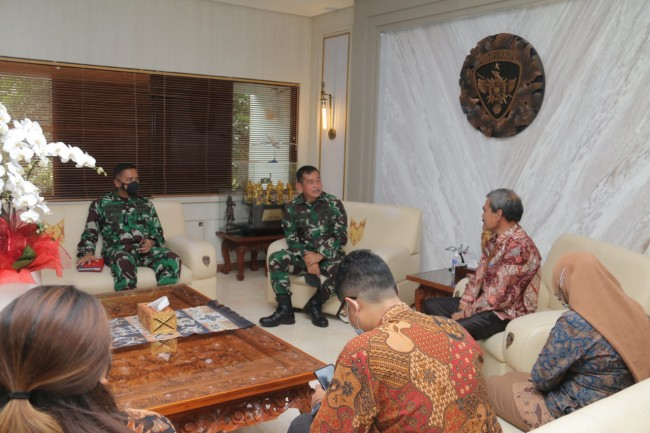 Pangdam IX/Udayana Terima Audensi Deputi Bidang Pengelolaan Batas Wilayah Negara BNPP RI