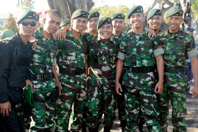 Kapendam IX/Udayana bersama Para Prajurit Yonif Raider 900/SBW